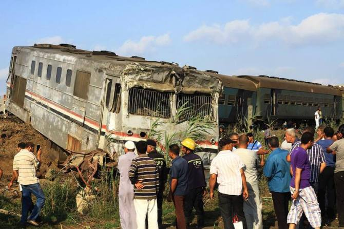 Train_crashes_in_Egypt