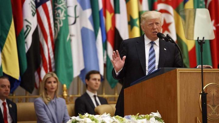 Trump_in_Sudi_Arabia.jpg
